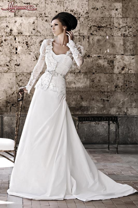 Свадебное платье со складками